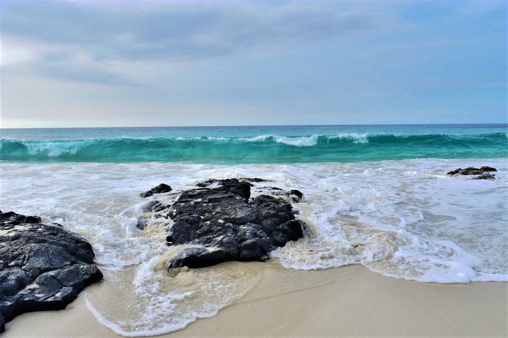 Manini'owali White Sand Beach, Big Island, Hawaii